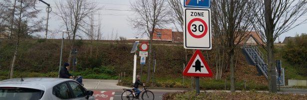 Voetgangersbeweging ondersteunt oproep tot veralgemeende zone 30 in bebouwde kom.
